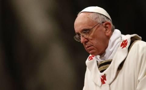 Πάπας: Υπάρχει υποψία ότι οι πόλεμοι χρησιμεύουν για να πωλούνται όπλα
