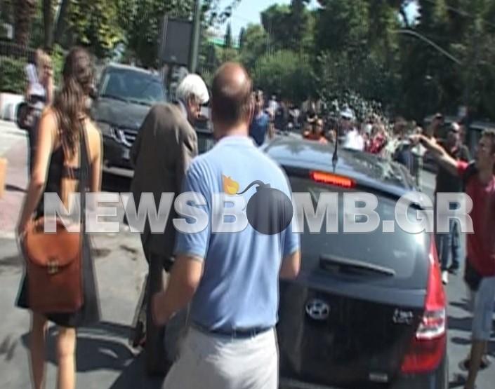 Βίντεο: Εργαζόμενοι της ΛΑΡΚΟ μπουγέλωσαν τον Πρ. Παυλόπουλο
