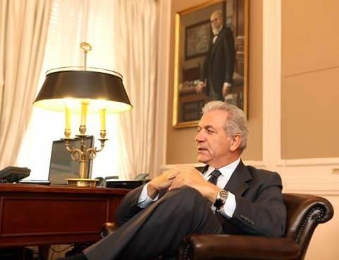 Συναντήσεις Αβραμόπουλου με τους Πρέσβεις Αργεντινής και Αρμενίας