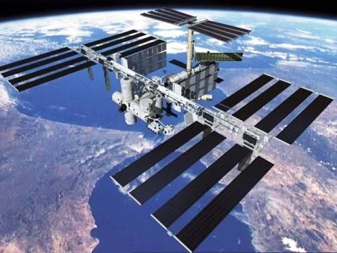 Επιστροφή στη Γη μετά από πέντε μήνες για τρεις αστροναύτες