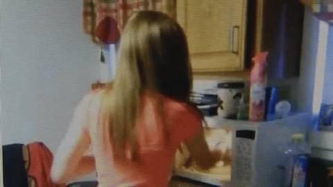 Βίντεο-ΣΟΚ: Έφηβες έβαλαν σε φούρνο μικροκυμάτων ένα γατάκι