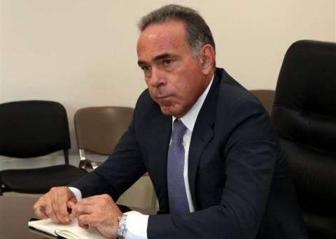 Με Σεφέρη απάντησε στο Twitter o Αρβανιτόπουλος στην Ρεπούση