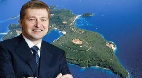 Επενδύσεις σε μαρίνες και μικρά ξενοδοχεία σχεδιάζει ο Ριμπολόβλεφ