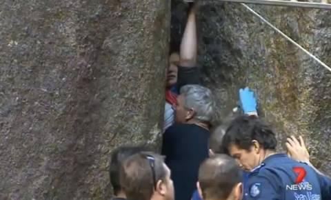 Βίντεο: 15χρονη παρέμεινε παγιδευμένη ανάμεσα σε βράχους για 6 ώρες