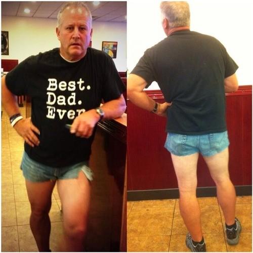 Έγινε ρεζίλι για να... πείσει την κόρη του να ντύνεται πιο σεμνά