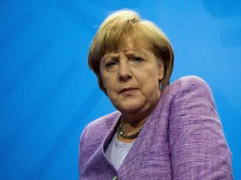 Σταθερή πρωτιά της Μέρκελ μια εβδομάδα πριν τις εκλογές στη Γερμανία