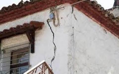 Νέες «πληγές» από τους σεισμούς στη Φθιώτιδα