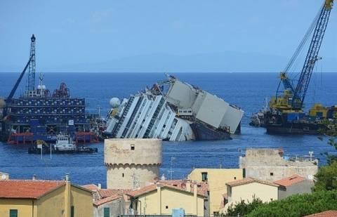 Συνεχίζεται η επιχείρηση ανόρθωσης και ρυμούλκησης του Costa Concordia
