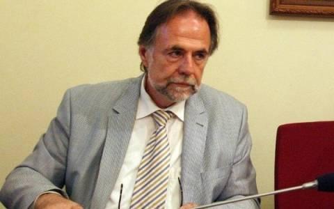 Σύγκληση του «συνταγματικού τόξου» ζητάει το ΠΑΣΟΚ ενάντια στην X.Α.