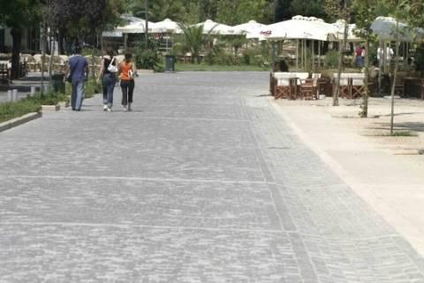 Νέο όνομα για την πλατεία Θησείου
