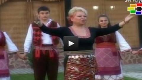 Ανεπιθύμητη στην Ελλάδα Σκοπιανή τραγουδίστρια