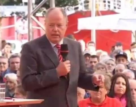 Βίντεο: Η απίστευτη αντίδραση του Στάινμπρουκ όταν του πέταξαν αυγό!