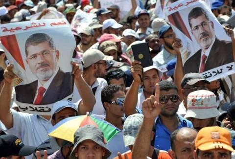 Αίγυπτος: «Χειροπέδες» στον εκπρόσωπο των Αδελφών Μουσουλμάνων