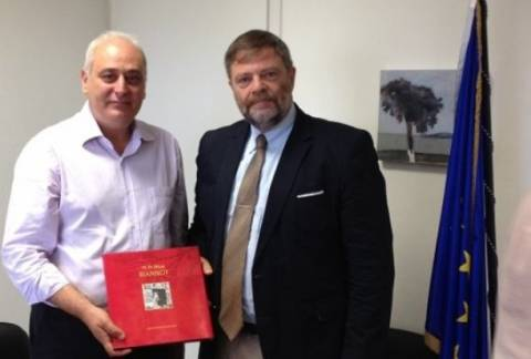 Ο Γερμανός πρέσβης στη Βιάννο μετά την επέτειο του ολοκαυτώματος