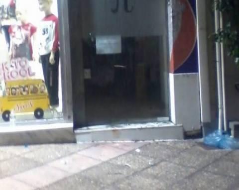 Έγκλημα στο Κερατσίνι: Συγκεντρώσεις στο σημείο της δολοφονίας
