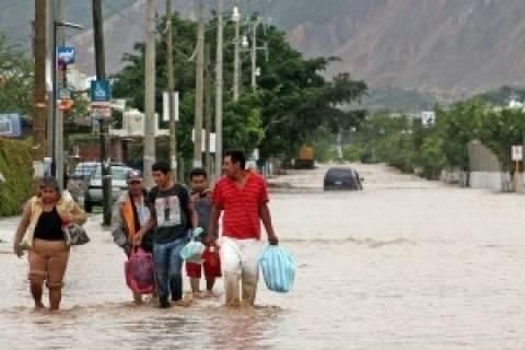 Μεξικό: Απομακρύνονται οι τουρίστες από το Ακαπούλκο