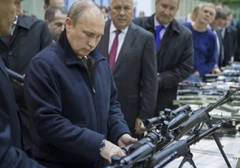 Ο Πούτιν δοκίμασε το νέο όπλο της κοινοπραξίας «Καλάσνικοφ»