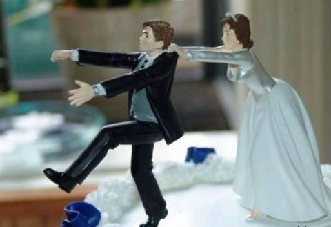 Έχετε ξαναδεί; Τούρτες για διαζύγια! (pics)