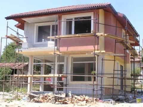 Πτώση στις τιμές κατασκευής κατοικιών
