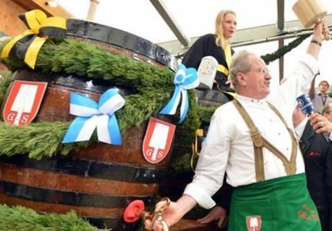 Παραμονή των εκλογών άρχισε το Oktoberfest