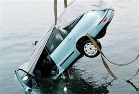 Πτώση οχήματος στη θάλασσα της Σάμου