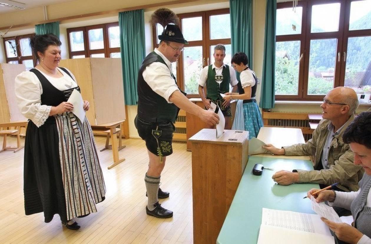 Γερμανικές εκλογές: «Μεγάλο συνασπισμό» θέλει το 52% των ψηφοφόρων