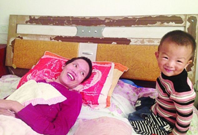 2χρονος έσωσε τη μητέρα του-Την τάιζε στόμα με στόμα για μήνες