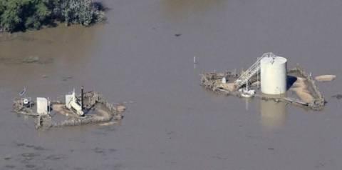 Κολοράντο: Μετά τις πλημμύρες σειρά έχουν οι πετρελαιοκηλίδες