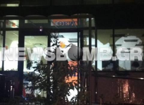 Επίθεση στα γραφεία της εφημερίδας «Πρώτο Θέμα» (pics+vid)