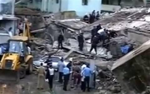 Περίπου 25 εγκλωβισμένοι στο κτίριο στο Μουμπάι