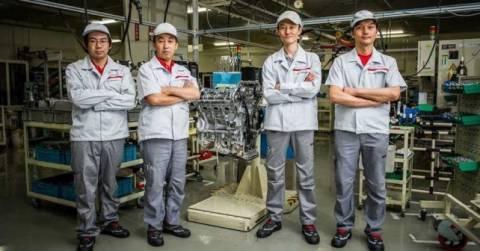 Οι 4 που φτιάχνουν τον V6 του Nissan GT-R