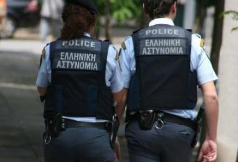 Συνελήφθη γυναίκα αστυνομικός για εμπλοκή στη δράση της Χρυσής Αυγής