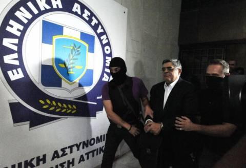 Δείτε τα βίντεο της μεταφοράς των συλληφθέντων της Χ.Α. στην Ευελπίδων