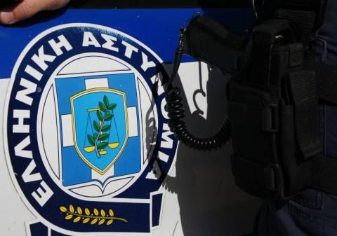 Αστυνομική έρευνα σε γραφεία της Χρυσής Αυγής
