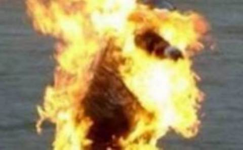 Αυτοπυρπολήθηκε πατέρας δύο παιδιών στο Θιβέτ