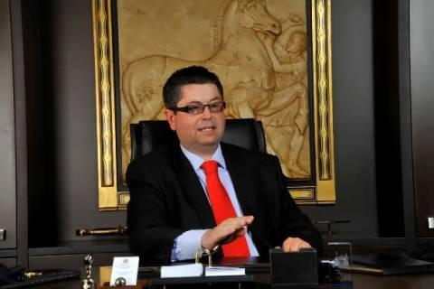 Διεγράφη από την ΝΔ ο δικηγόρος που ανέλαβε την Χ.Α., Π. Σαράκης