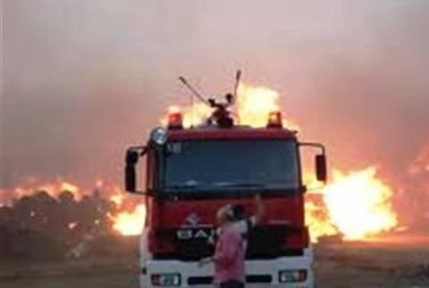 Φωτιά σε τμήμα της ναυπηγοεπισκευαστικής ζώνης στο Πέραμα