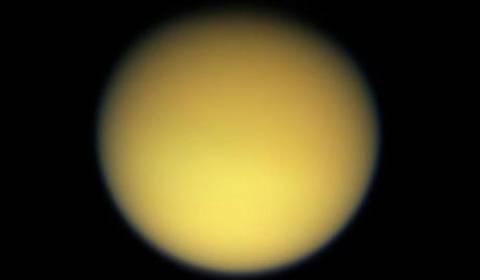 NASA:Aνακάλυψε στον Τιτάνα ουσία που χρησιμοποιείται σε πλαστικά υλικά