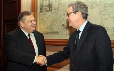 Στήριξη Βενιζέλου στις προσπάθειες Ντάουνερ για το Κυπριακό