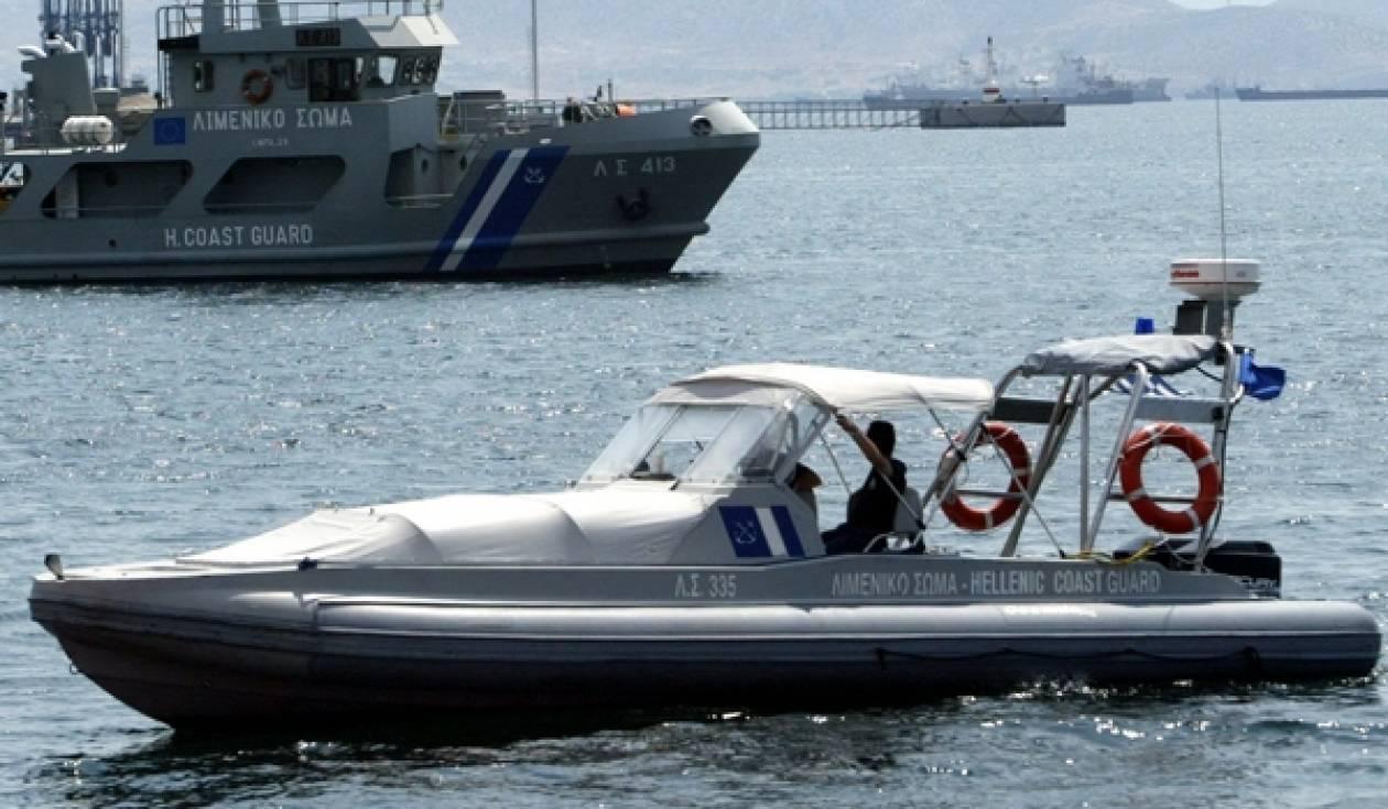 Προσάραξη σκάφους με 11 επιβάτες στο Αγκίστρι