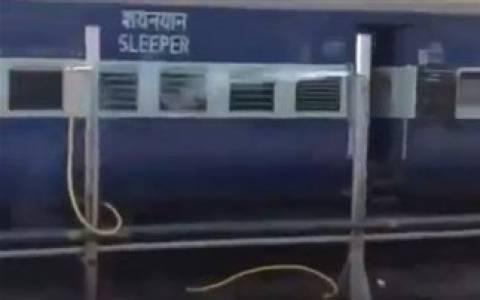 Βίντεο: Έτσι... δροσίζονται στα τρένα της Ινδίας