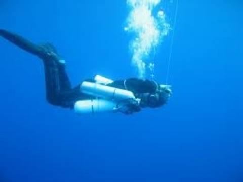 Τον έψαχναν στη θάλασσα, τον βρήκαν στη στεριά!