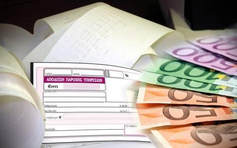 «Καταιγίδα» το νέο φορολογικό: Έρχονται κρατήσεις 26% στα μπλοκάκια