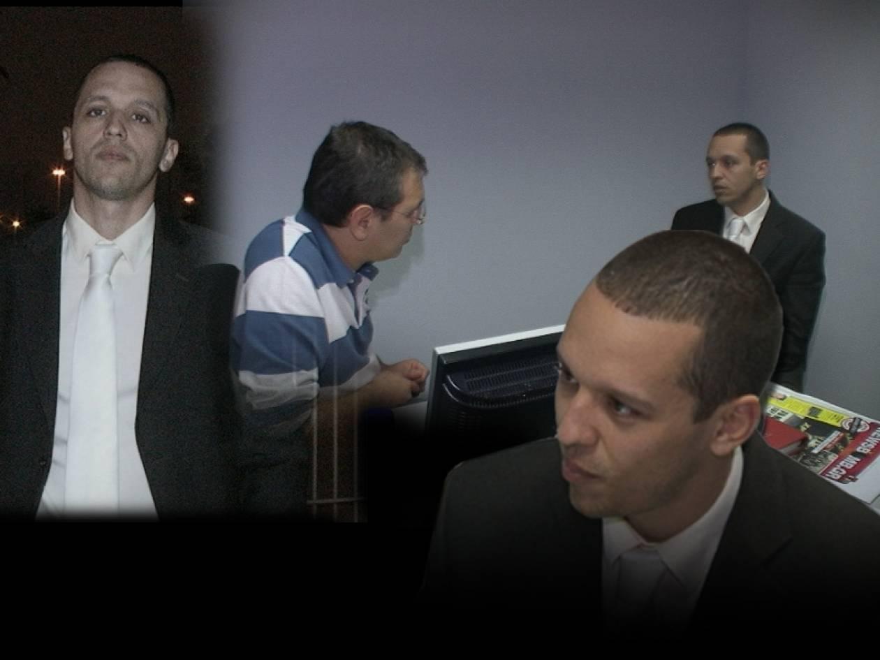 Ο Η.Κασιδιάρης ρίχνει... βόμβες στην εφημερίδα NEWSBOMB που κυκλοφορεί