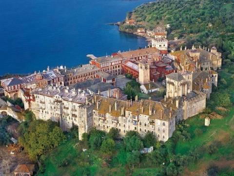 14 άτομα στο εδώλιο για τις «ιερές ανταλλαγές» της Μονής Βατοπεδίου