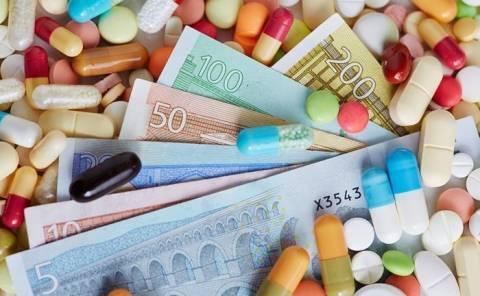 Μειώνονται τα έσοδα των φαρμακευτικών επιχειρήσεων