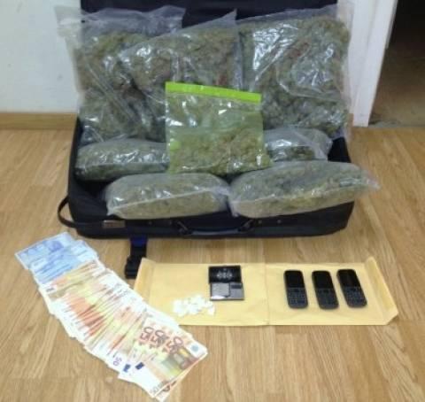 Συνελήφθησαν έμποροι ναρκωτικών στη Νέα Σμύρνη