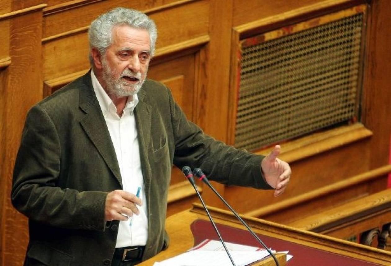 «Οι τροποποιήσεις στον Κανονισμό της Βουλής ψηφίστηκαν χωρίς συζήτηση»