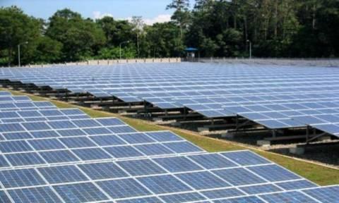 «Ξεπαγώνουν» με ρύθμιση στη Βουλή οι fast track ενεργειακές επενδύσεις