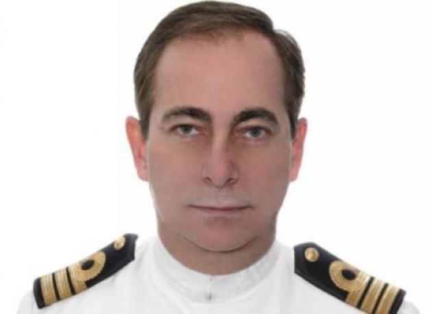 Αυτός είναι ο αξιωματικός του ΠΝ που μήνυσε τον ΓΑΠ (photo)